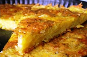 Запеканка из тертого картофеля с сыром и чесноком фото