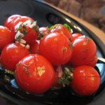 Малосольные помидоры с чесночком