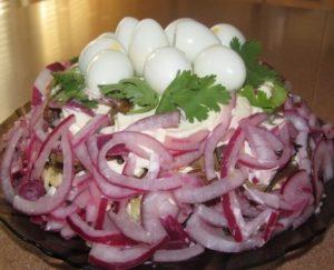 salat-kurocikino-gnezdo-foto