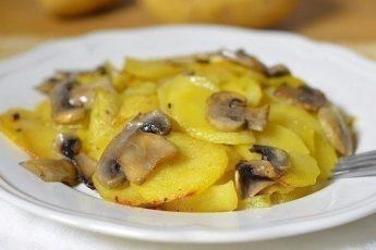 Новый вкусный рецепт приготовления картошки с грибами в сливках