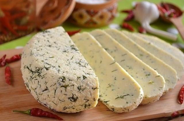 Домашний сыр и не сравнить с покупным