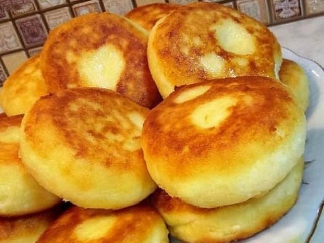 Полезный завтрак для всей семьи — пышные сырники из духовки. С пылу, с жару!