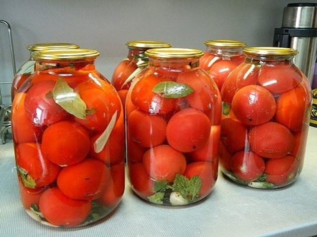 """Помидоры по этому рецепту получаются просто великолепными! Самые вкусные помидоры """"Царские""""."""