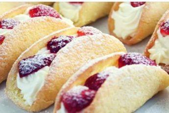 Бисквитные пирожные с клубникой: ароматные и очень вкусные