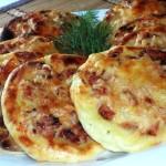 Картофельные ватрушки с курицей фото