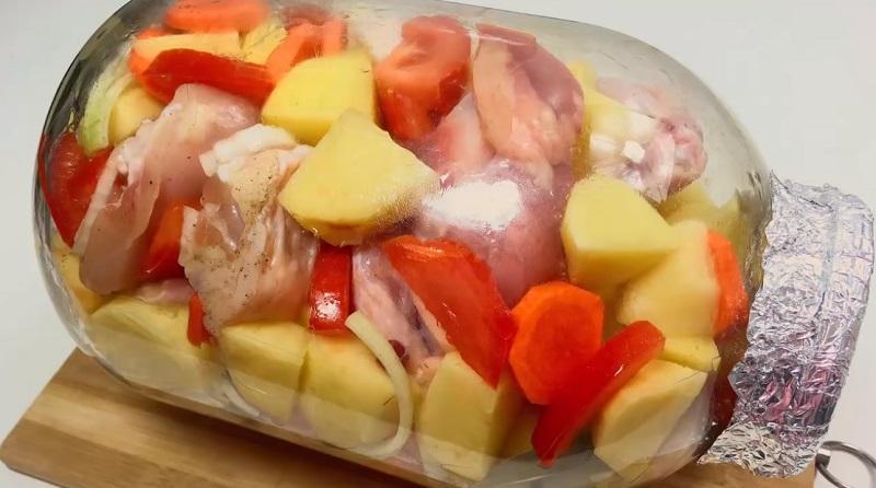 Сочная курица в банке: в разы вкуснее, чем в гусятнице, горшочках или рукаве. Без воды, без масла, в собственном соку.
