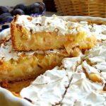 Изумительно вкусный яблочный пирог, ну просто тает во рту. Он обязательно вам понравится!