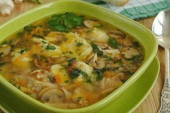 Аппетитный гречнево-грибной суп
