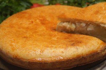 Захотелось несладкой выпечки? Печём пирог с капустой «Улетный» и наслаждаемся вкусом! Получается невероятно вкусный, нежный и сочный. Тесто необычайно воздушное. Готовится быстро, рекомендую приготовить.