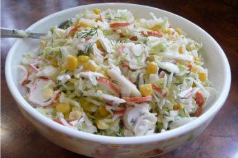 Подруга добавила этот салат в меню своего ресторана — заказывают чаще других!