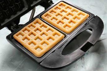 Как приготовить любимые вафли на сливочном масле 1