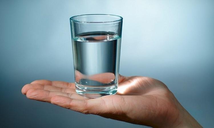 Диета «10 стаканов». Если выпиваешь за 20 минут до еды, есть можно что душе угодно 5